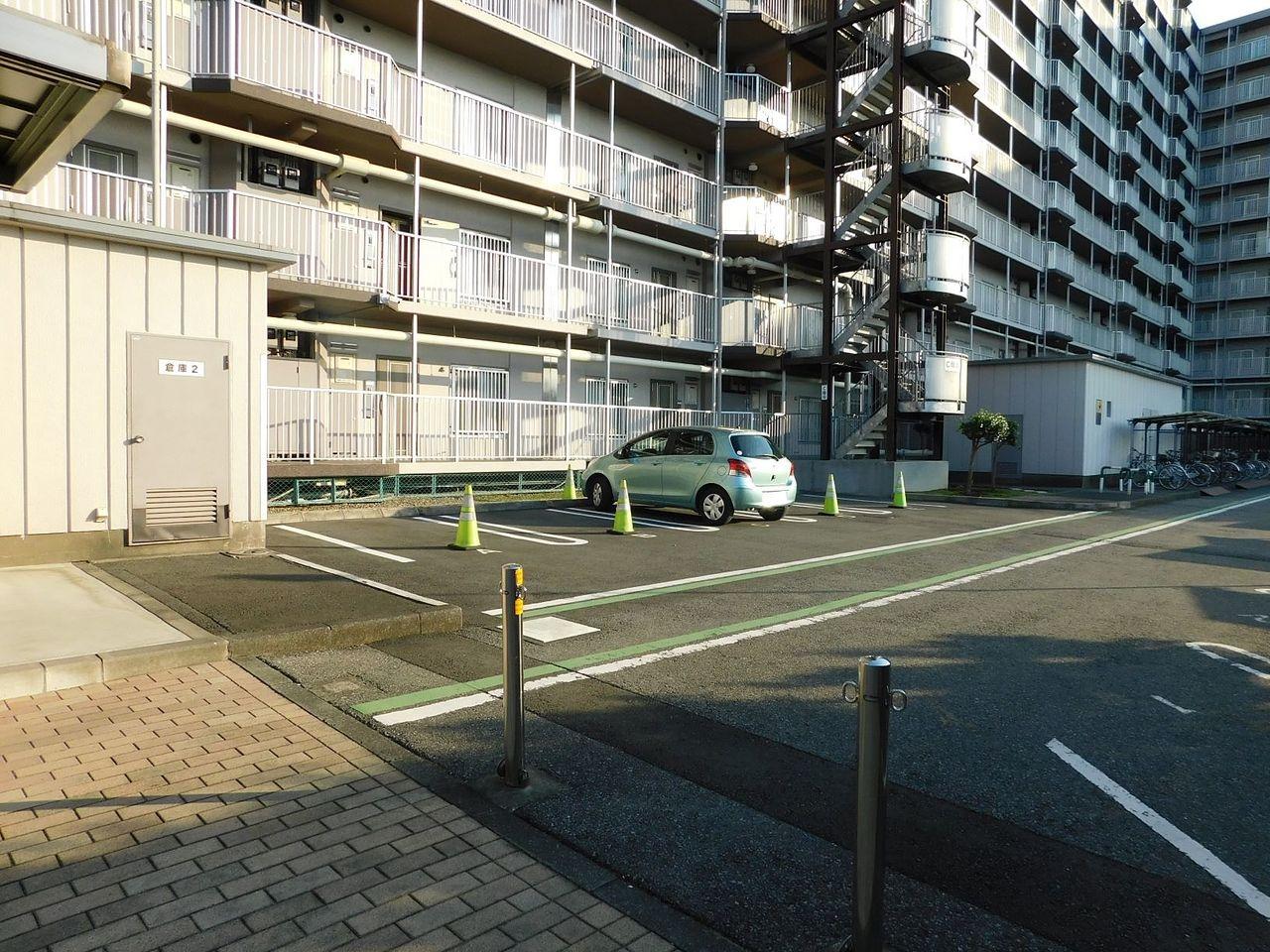 リフォームの時など業者が停められる駐車場もあります(要予約)
